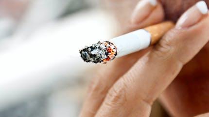 Quels sont les méfaits du tabac sur nos dents et nos gencives ?