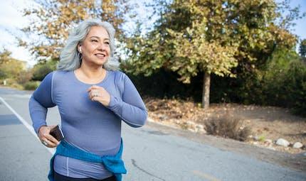 Insuffisance cardiaque : limiter la sédentarité diminuerait le risque chez les femmes de plus de 50 ans