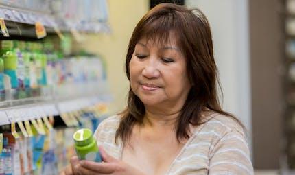 Chute de cheveux : alerte sur les graves dangers d'un complément alimentaire