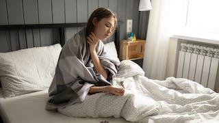 Mal de gorge : quelle est la cause et comment le soigner ?