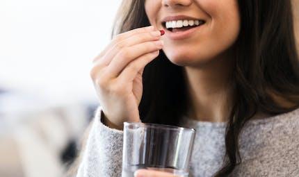 COVID-19: les suppléments de vitamines pourraient avoir un petit effet pour les femmes