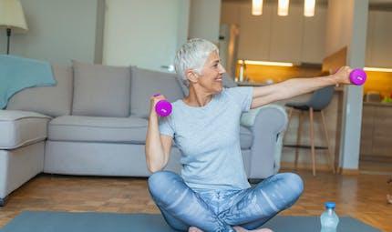 L'activité physique est essentielle pour aider à réduire les symptômes de la ménopause
