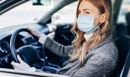 COVID-19: ce qu'il faut faire pour réduire le risque de transmission en voiture