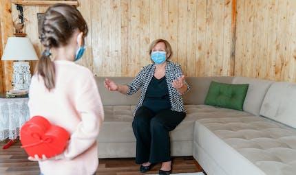 Masques : ils n'empêchent pas la compréhension des émotions par l'enfant (étude)