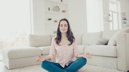 3 exercices de yoga pour se détoxifier après les fêtes