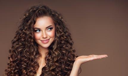 Le vieillissement des cheveux diffère selon l'origine ethnique