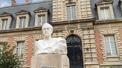 Pourquoi l'Institut Pasteur renonce à son candidat vaccin contre la Covid-19