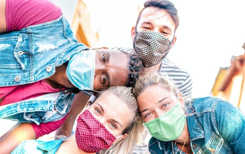 Amis : ils sont d'autant plus bons pour la santé dans une société individualiste