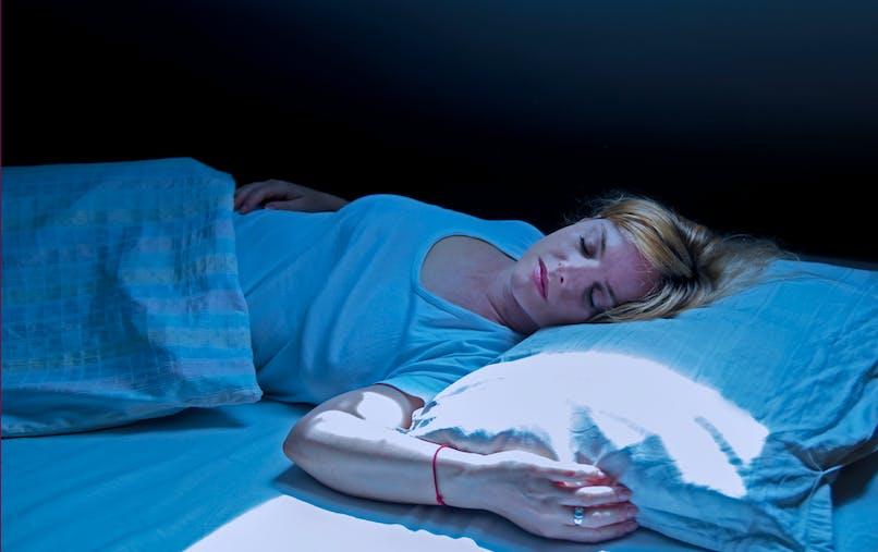 Une étude dévoile comment la lune joue sur notre sommeil