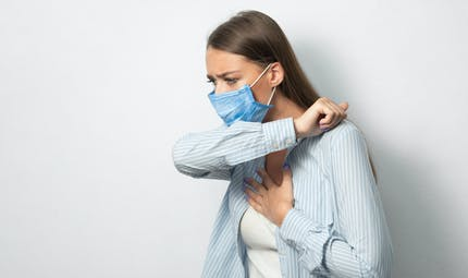 Quels sont les symptômes fréquents, rares ou graves de la Covid-19 ?