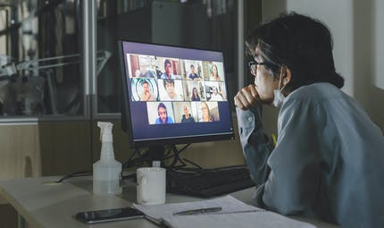 """""""Zoom fatigue"""" : quatre raisons qui l'expliquent et comment y remédier"""