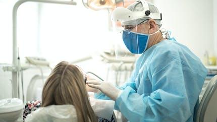 Parodontite : le traitement au laser est-il efficace ?