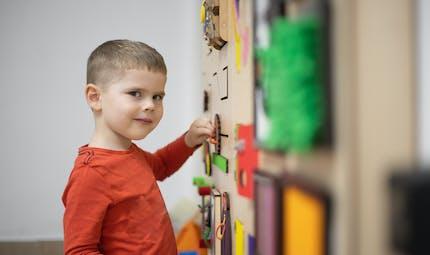 Tout savoir sur l'autisme, les signes d'alerte, la prise en charge