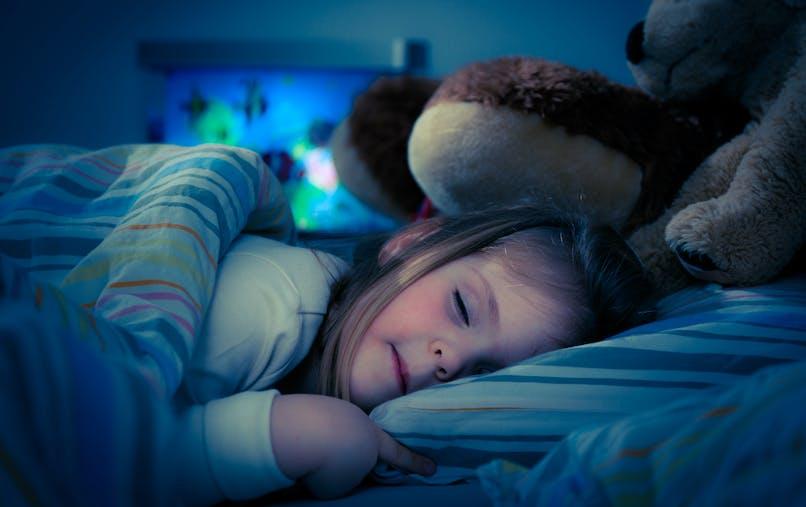 """L'adoption d'horaires de coucher réguliers chez le tout-petit associé à un IMC plus """"sain"""""""