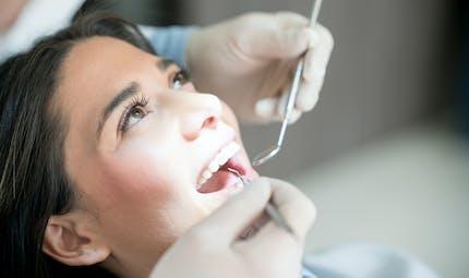 Soins dentaires: faut-il prendre des antibiotiques?
