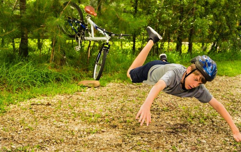 enfant et chute à vélo
