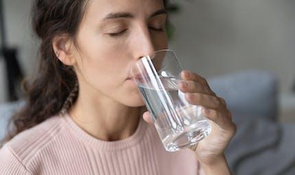 Pourquoi a-t-on la bouche sèche (xérostomie) ?