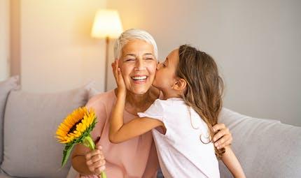 Etre grand-mère jeune, ça change quoi ?