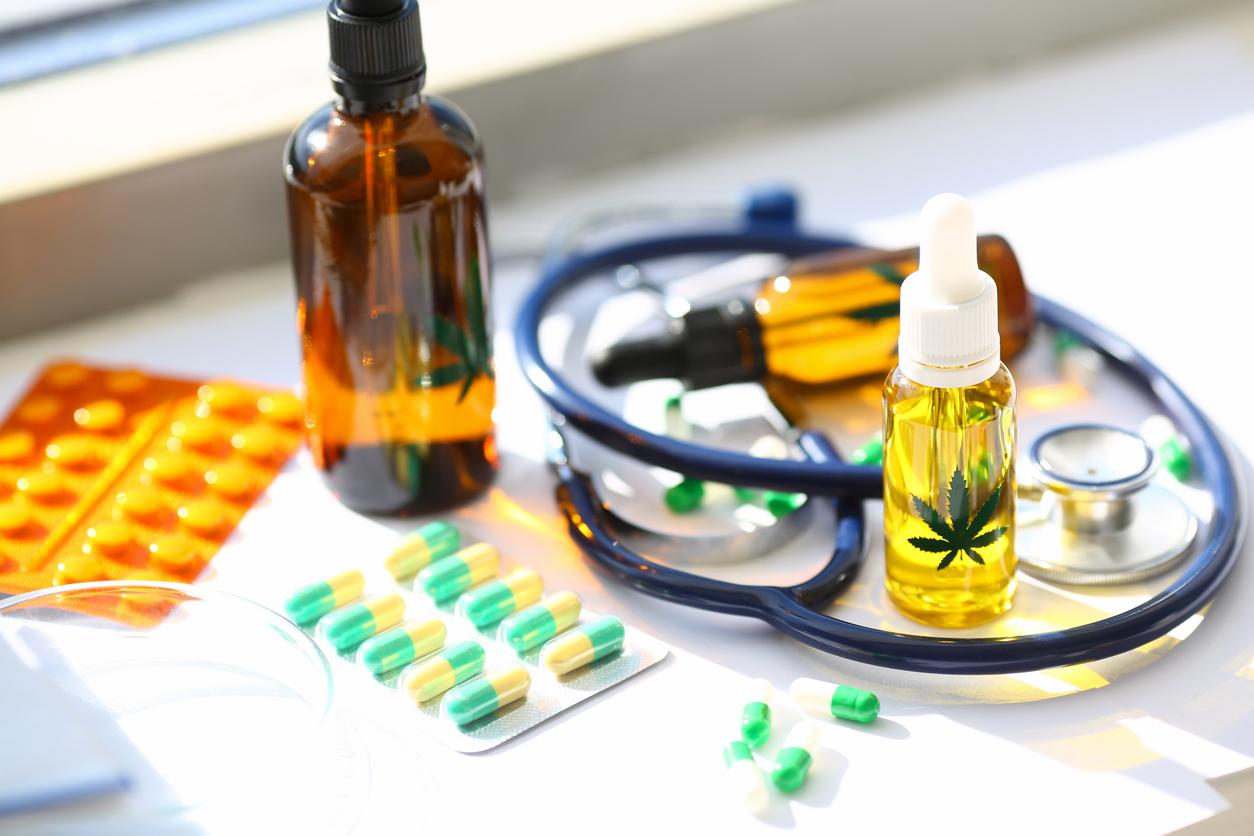 Cannabis thérapeutique : l'Ansm publie la liste des pharmacies participantes