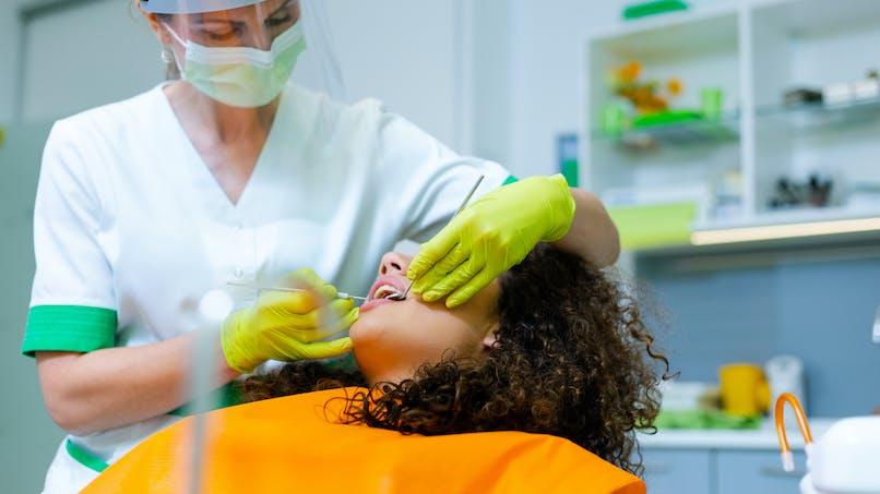 Pourquoi et comment dévitaliser une dent ?