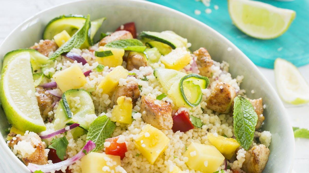 Couscous à l'ananas, aux petits légumes et poulet