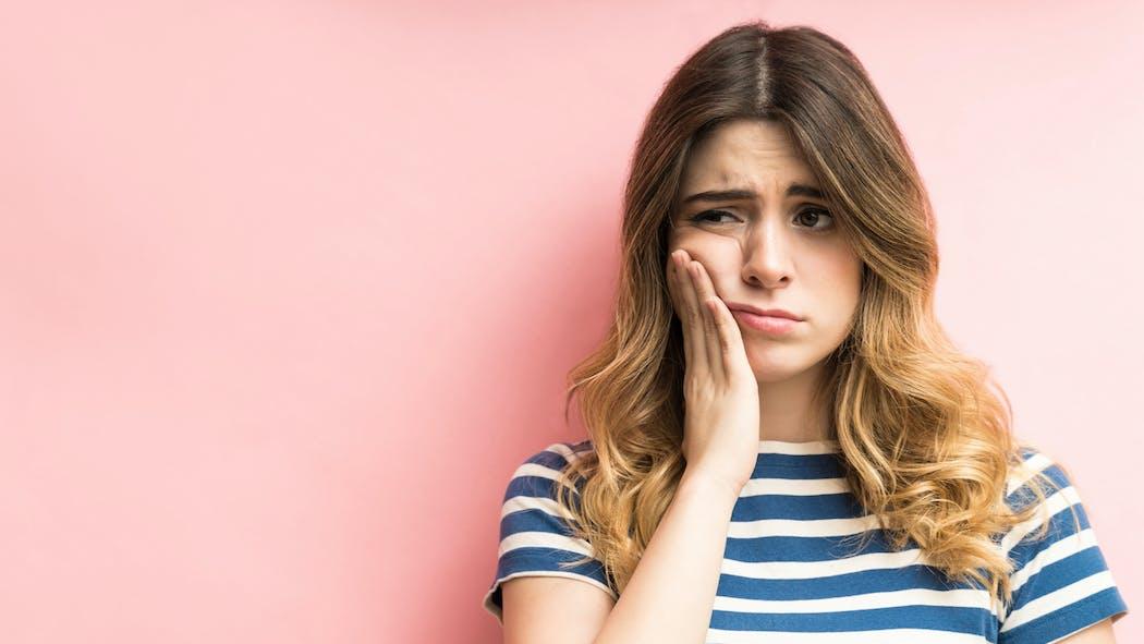 Déchaussement des dents : comment l'éviter, quelles solutions ?