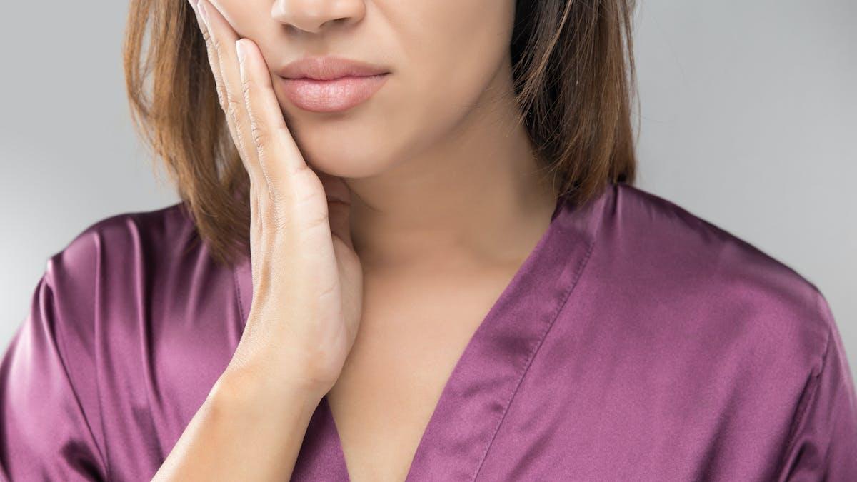 Parodontite : comprendre  cette inflammation chronique des gencives