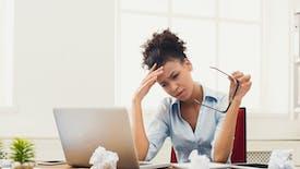 Lorsqu'ils sont stressés, les gens sont plus susceptibles de tirer la pire conclusion