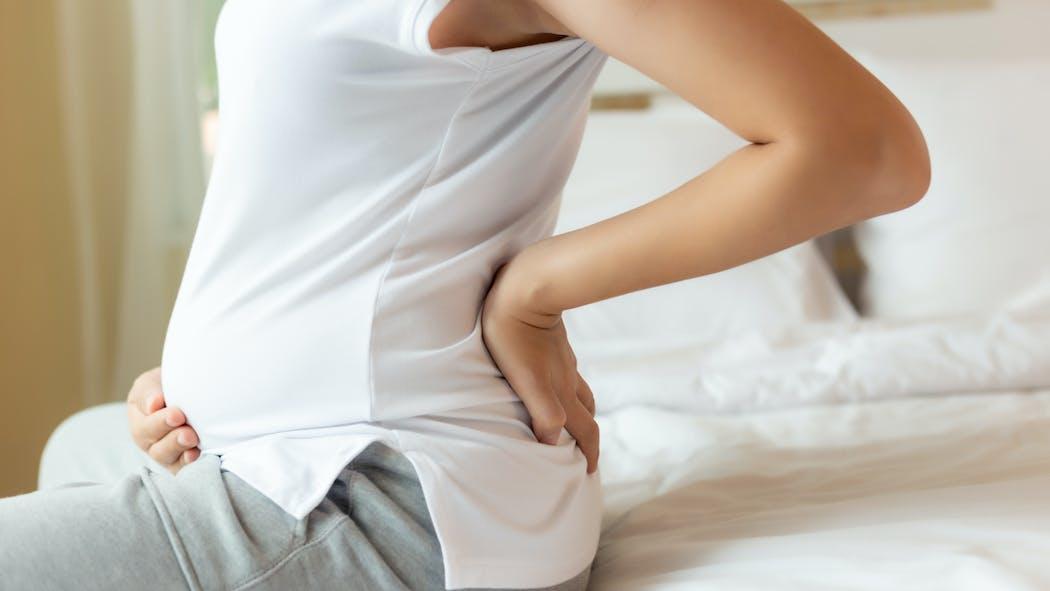Reconnaître et soulager les douleurs de sciatique pendant la grossesse