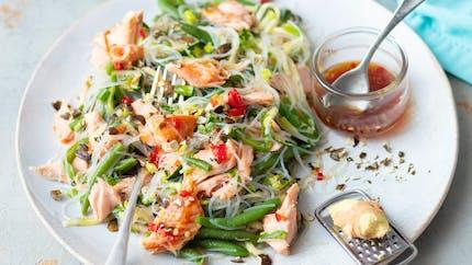 Vermicelles de riz au saumon et petits légumes