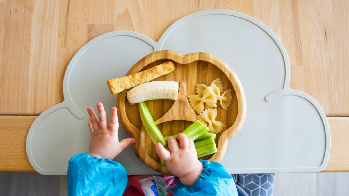 L'alimentation de bébé de 18 mois à 3 ans