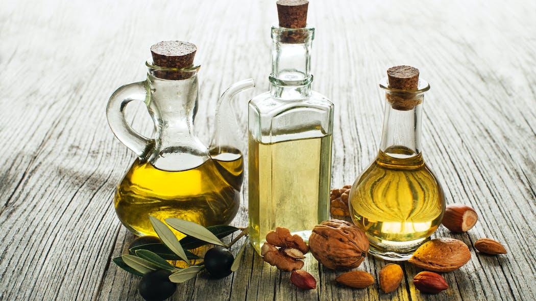 Olive, colza, tournesol, noix, sésame, lin : quelle est la meilleure huile pour la santé ?