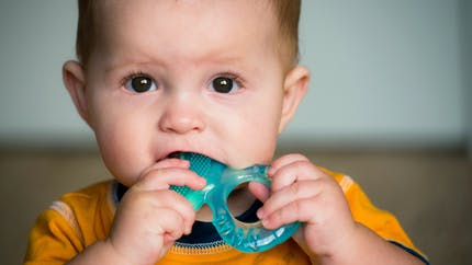 La poussée dentaire chez bébé, une étape de plus à franchir