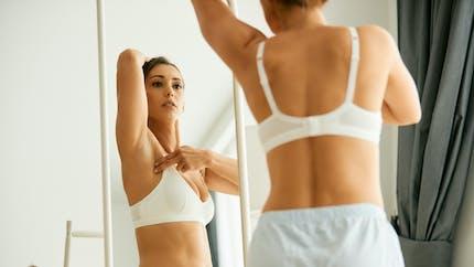 L'autopalpation des seins : pour détecter une anomalie