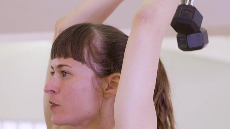 Muscler ses triceps avec des haltères en vidéo